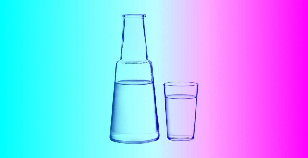 jarra de agua con vaso para velador de noche